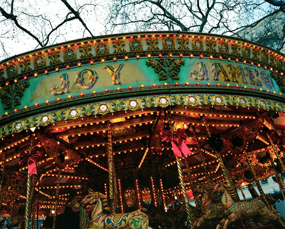 19_1lo_carousel1